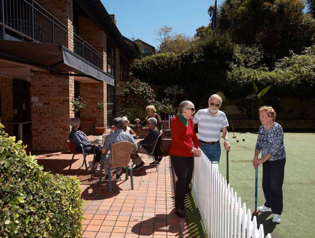 Aveo Bayview Gardens residents playing Croquet