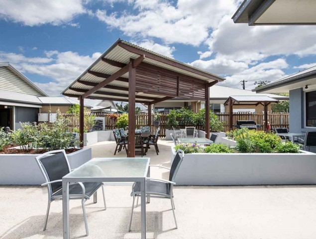 Freedom morayfield Outdoor eating 1200x900